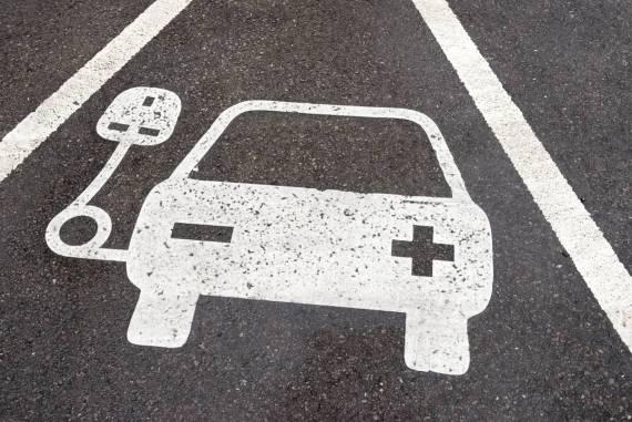Główne zalety i wady przy wyborze samochodów elektrycznych