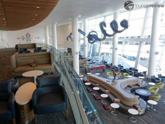 SEA-delta-sky-club-sea-concourse-a-b-00109