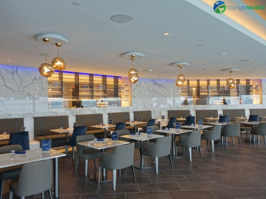 EWR-united-polaris-lounge-ewr-02794