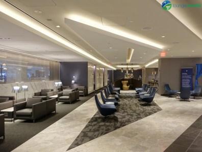 EWR-united-polaris-lounge-ewr-02800