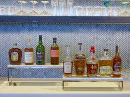 LAX-united-polaris-lounge-lax-08917-blg