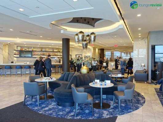 LAX-united-polaris-lounge-lax-09067-blg