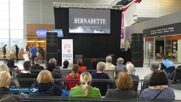 «Bernadette de Lourdes» a fait escale à l'aéroport