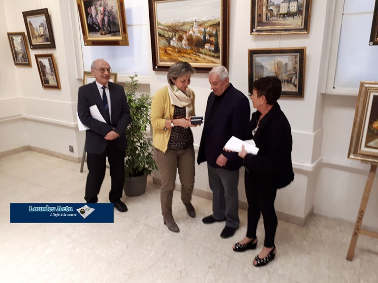 Lourdes : Remise de la Médaille d'Honneur de la Ville à Christophe RIELLAND