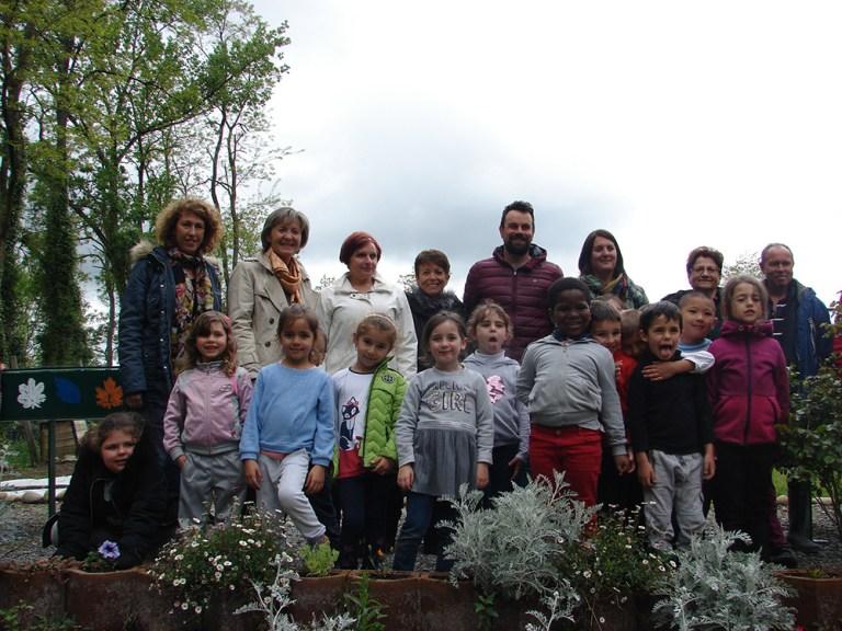 Lourdes : les jardiniers des jardins familiaux ont reçu l'aide de petits jardiniers en herbe