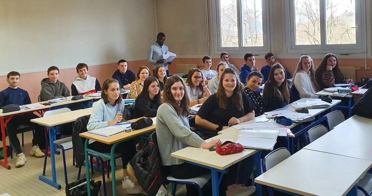 Read more about the article Lourdes : 60 élèves retardent leurs vacances à Sarsan …