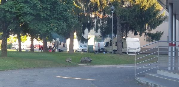 Une première à Lourdes !…Camping paradise devant le Complexe aquatique