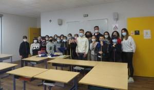 Read more about the article Lourdes : les 6ème du collège Saint Joseph ont partagé les valeurs de Noël