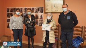 Adé : remise du chèque Octobre Rose à la Ligue contre le cancer