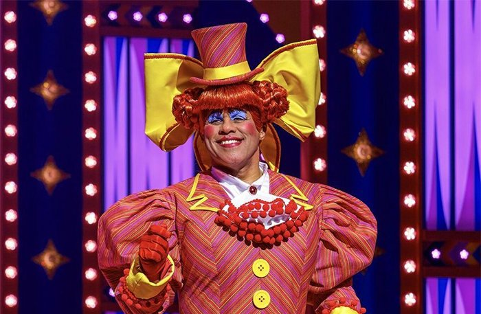 Gary Wilmot in Goldilocks and the Three Bears