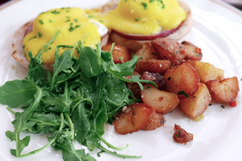 Eggs Benedict, Canadian Bacon, Hollandaise, Fines Herbes