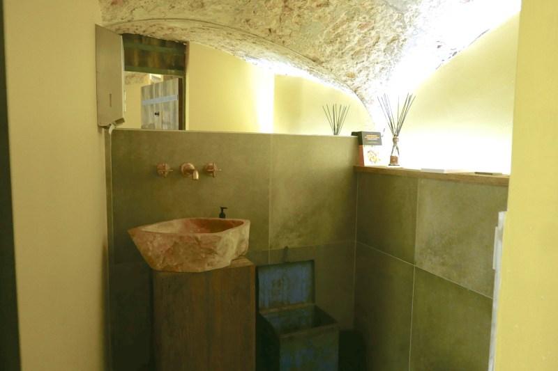 Bathroom at Bistro Bruut.