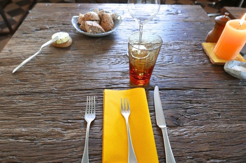 Table setting at Bistro Bruut