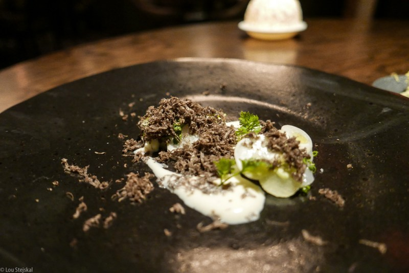Diver Scallop Crudo, turnip, finger lime, apple, black truffle