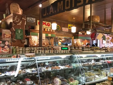Their deli carries fine cheeses and meats and 5 special takeout items each day, their cassoulet being one of their more popular items.