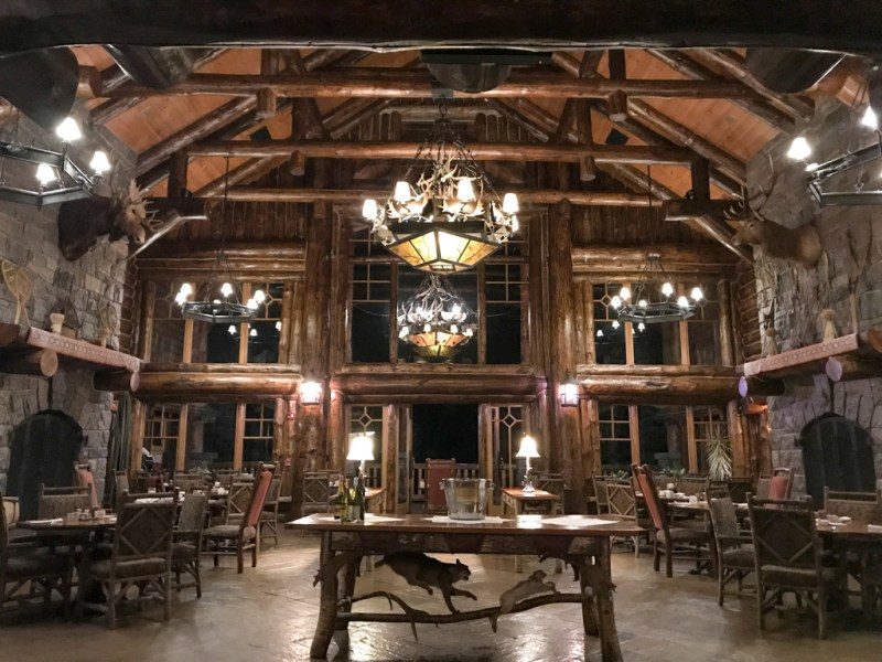 Kanu dining room at Whiteface Lodge