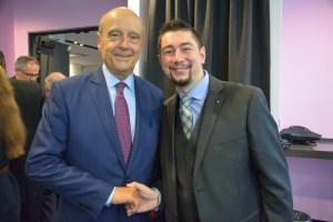 Alain Juppé et Christophe Deschamps, responsable de Agis pour le France au Canada