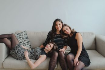 Alyeska, Carolyne et Mélanie, trois jeunes femmes passionnées par l'entrepreneuriat, le e-commerce, le magasinage et la mode! (Le Coffret de Rachel - créfit photo : gracieuseté)