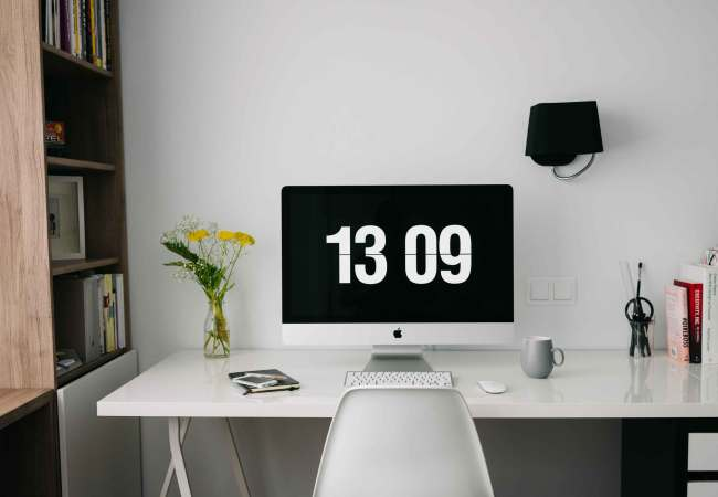 5 Tips to Clean Off your Desk: #NationalCleanOffYourDeskDay