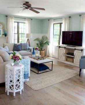 Elegant Coastal Themes For Your Living Room Design 07