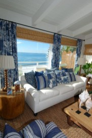 Elegant Coastal Themes For Your Living Room Design 29