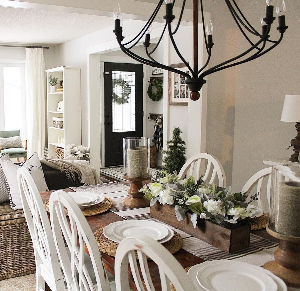 Rustic Farmhouse Dining Room Design Ideas 20