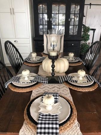 Rustic Farmhouse Dining Room Design Ideas 44