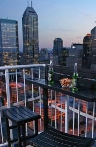 Best Ideas To Change Your Balcony Decor Into A Romantic Design 01