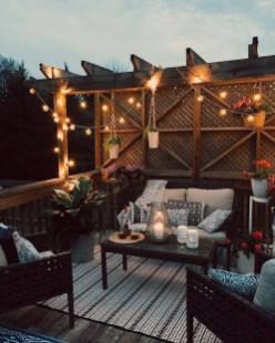 Best Ideas To Change Your Balcony Decor Into A Romantic Design 22