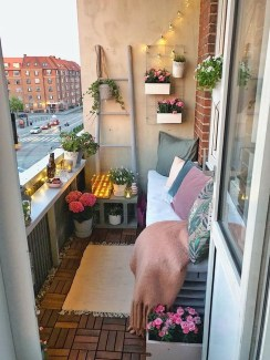 Best Ideas To Change Your Balcony Decor Into A Romantic Design 27