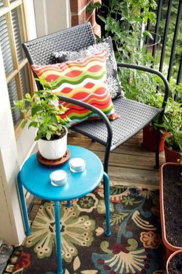 Best Ideas To Change Your Balcony Decor Into A Romantic Design 52