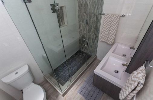 Brilliant Bathroom Design Ideas For Small Space 07
