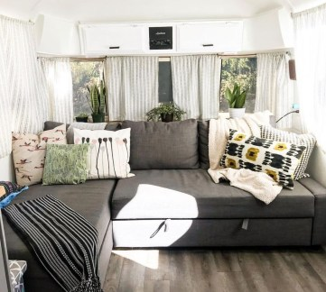 Cozy RV Bed Remodel Ideas On A Budget 31
