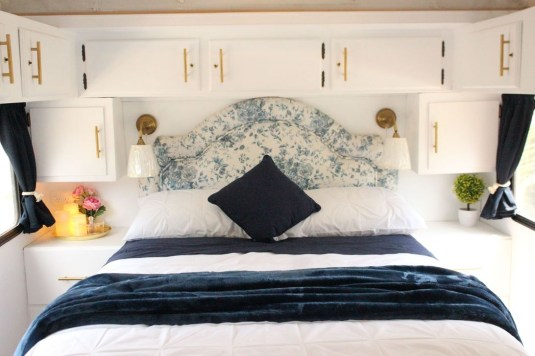 Cozy RV Bed Remodel Ideas On A Budget 42
