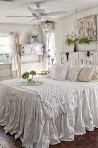 Cute Shabby Chic Bedroom Design Ideas For Your Daughter 04