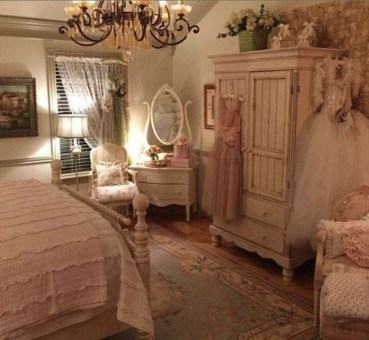 Cute Shabby Chic Bedroom Design Ideas For Your Daughter 26