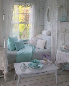 Cute Shabby Chic Bedroom Design Ideas For Your Daughter 37