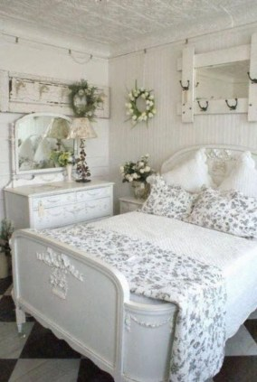 Cute Shabby Chic Bedroom Design Ideas For Your Daughter 49