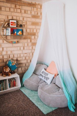 Inspiring Reading Room Decoration Ideas To Make You Cozy 09