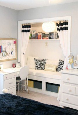 Inspiring Reading Room Decoration Ideas To Make You Cozy 26