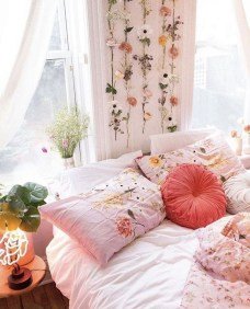 Inspiring Reading Room Decoration Ideas To Make You Cozy 36