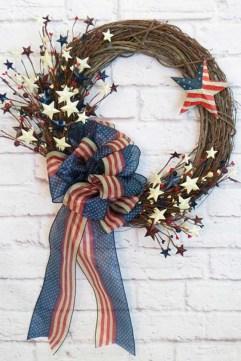 Pratiotic Handmade 4th Of July Wreath Ideas 06