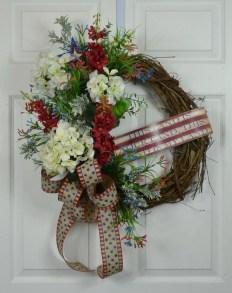 Pratiotic Handmade 4th Of July Wreath Ideas 13