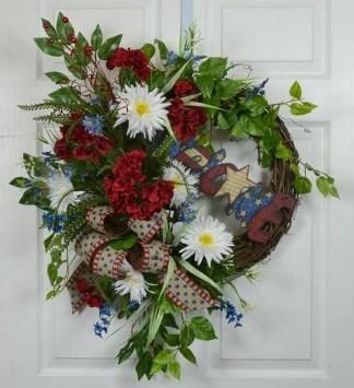 Pratiotic Handmade 4th Of July Wreath Ideas 17