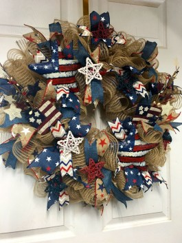 Pratiotic Handmade 4th Of July Wreath Ideas 36