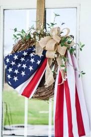 Pratiotic Handmade 4th Of July Wreath Ideas 38