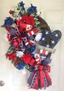Pratiotic Handmade 4th Of July Wreath Ideas 42