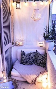 Stunning Balcony Decoration Ideas With Seating Areas 07