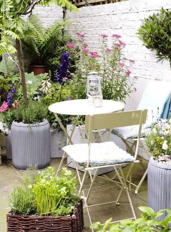 Stunning Balcony Decoration Ideas With Seating Areas 21