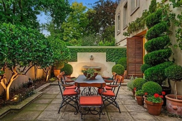 Stunning Balcony Decoration Ideas With Seating Areas 31
